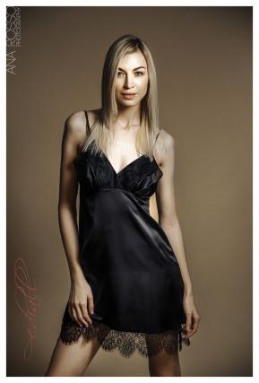 Natūralaus šilko naktiniai EMMA, juodos spalvos
